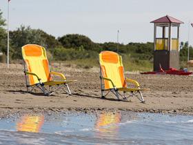 Zu alt für das Strandhandtuch? Dann ab in den Strandstuhl!