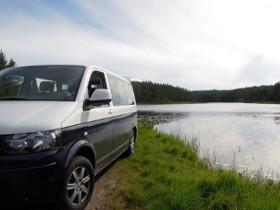 Vom Wildcampen direkt am Wasser träumen viele Camper. In Skandinavien kann man sich diesen Traum erfüllen