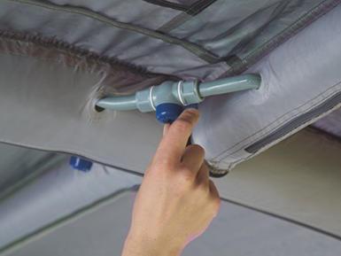 Das Komfortable - Smart Air: In 60 Sekunden ist das Luftröhrensystem  über ein einziges Ventil aufgepustet