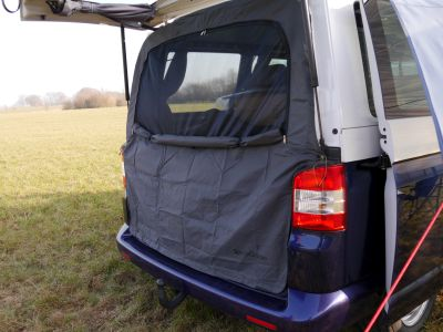 No bugs part twoWith our mosquito net for the tailgate, you have the friends in your van you want only.