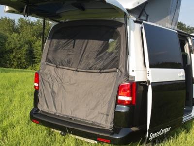 Insektenschutz für die Heckklappe Mit dem SpaceCamper Moskitonetz sind Sie vor ungebetenen Gästen sicher. Ideal für VW T5 und T6.