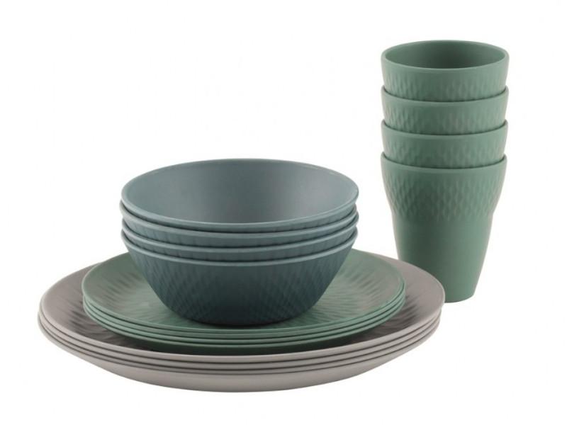 Gedeckter Tisch in gedeckten FarbenDas Lotus Geschirrset bringt modische Farben auf den Campingtisch