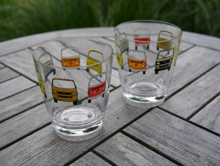 Our Christmas Present for You Two drinking glasses with iconic VW busses worth 11 Euro free for each order of 100 Euro or more until 31.12.2019 while stocks last